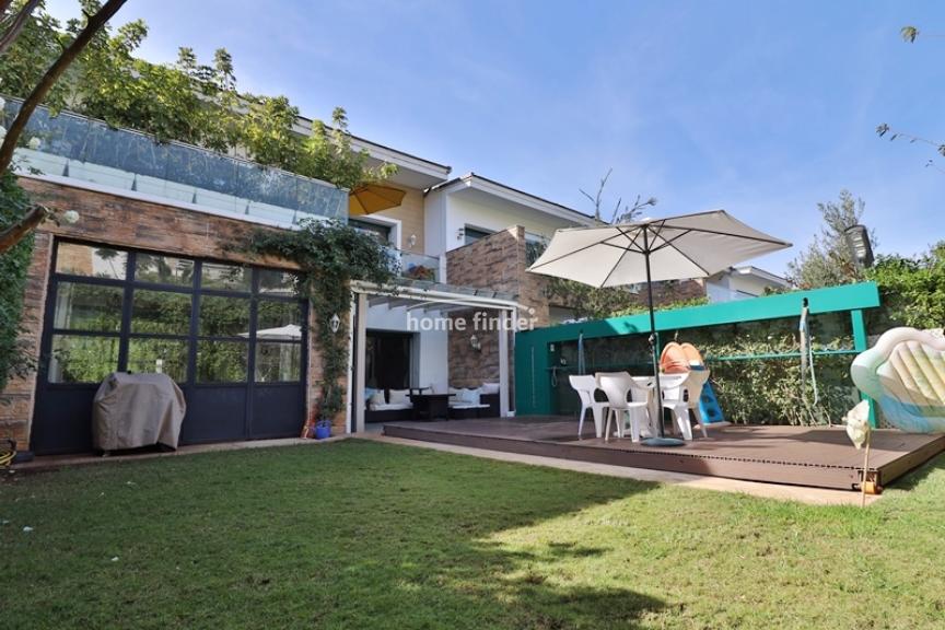 Villa à vendre sur Bouskoura 374 m²